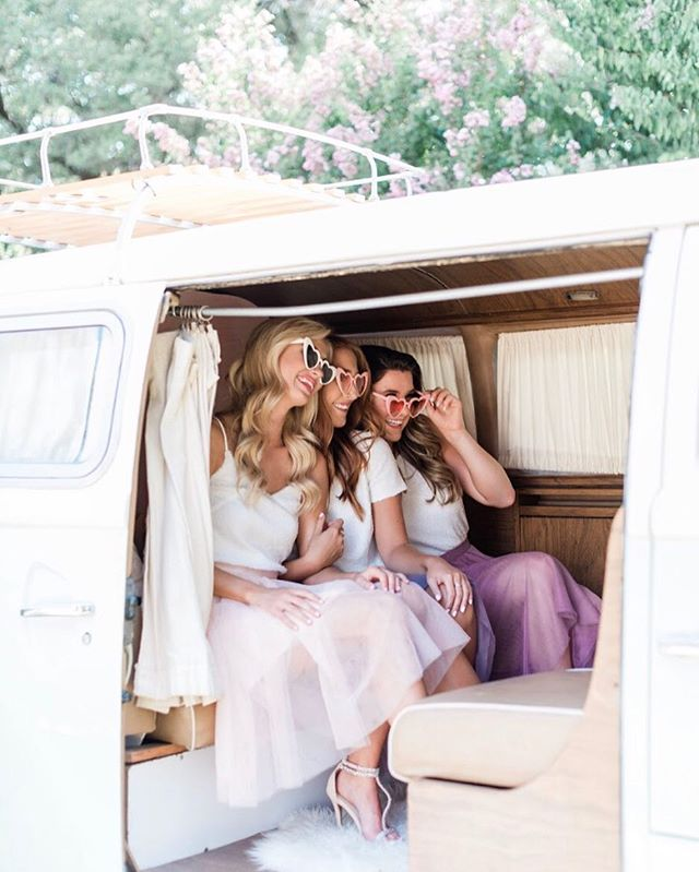 TGIF!! the weekend is all about grabbing your favorite girl gang for she-van-igans! 👯♀️💕🚌💥 #vannagram #girlgang #weekendvibes ——————————————————————— Photography: @madelineharperphoto  Bridesmaid Separates: @shoprevelry  Venue:@rrgrove  Jewelry: @bryananthonys  VW Photo Booth:@vannagramatx