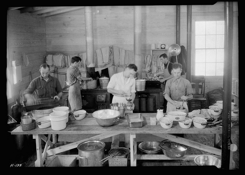 Temporary kitchen serving cafeteria at Norris townsite, November 1933