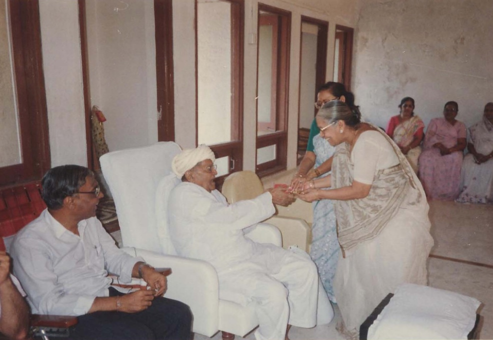 Bapuji and Lalitamasi.jpg