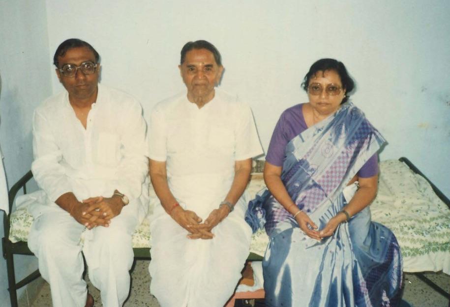 Gurumaa and Bapuji 2.jpg