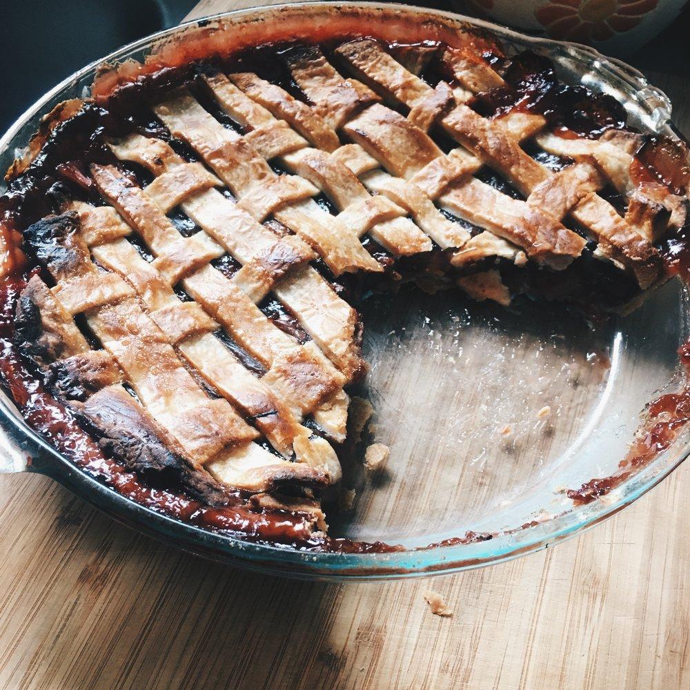 strawberry rhubarb pie