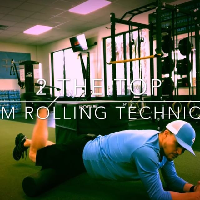 #foamroller #2thetop #mobility #stretching #correctiveexercise #fortmyersfitness #naplesfitness #crushingit #tightmuscles