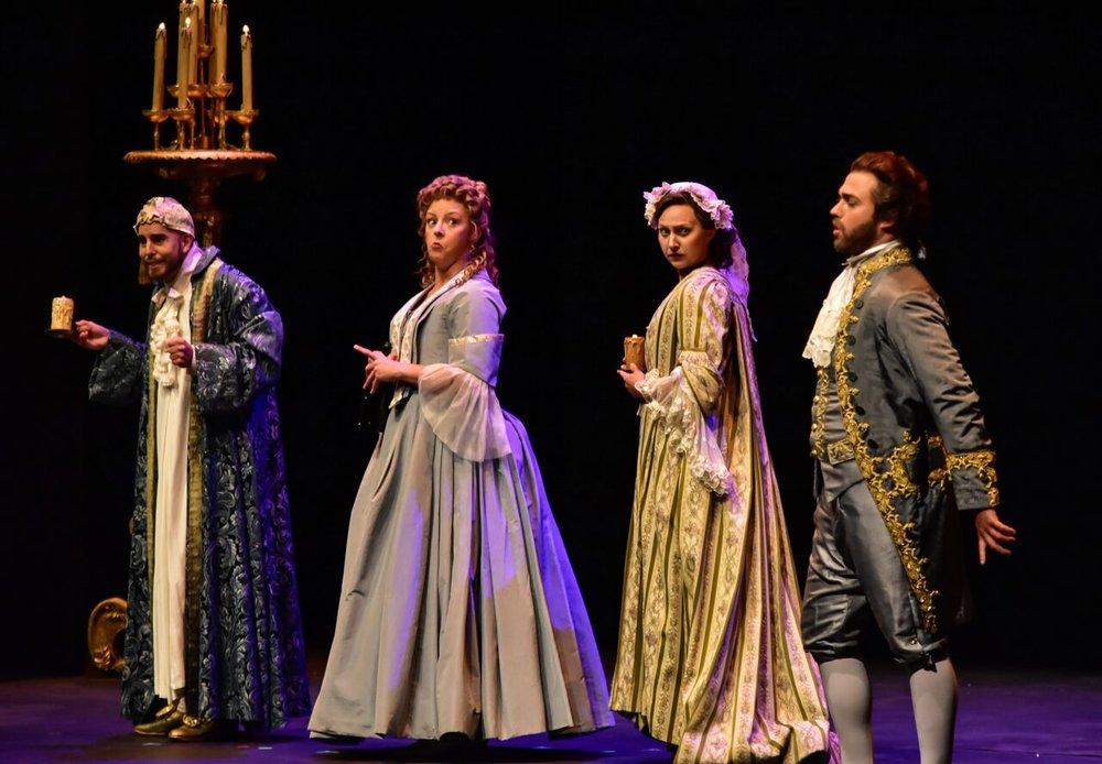 Il matrimonio segreto (SCENE), Santa Fe Opera, 2017, Bobby Gutierrez