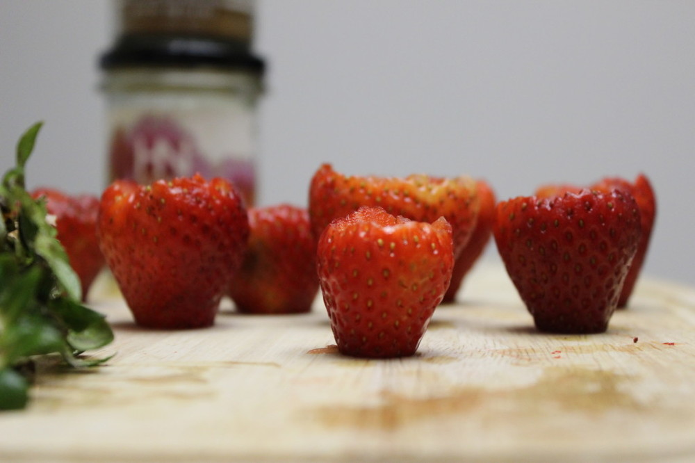 almond butter stuffed strawberries 4