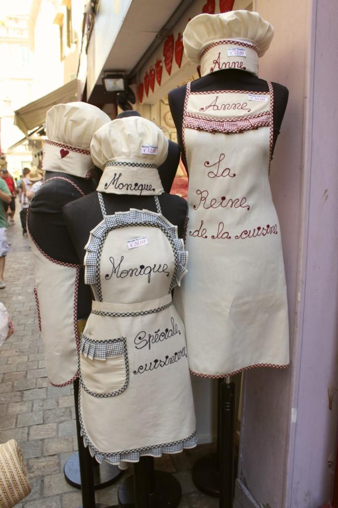 rue meynadier cannes france 53