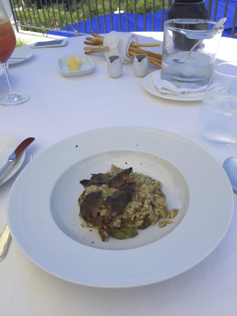 Belrose Hotel Restaurant 24