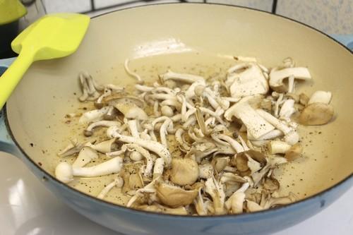 mushroom corn pancetta pizza 11.jpg