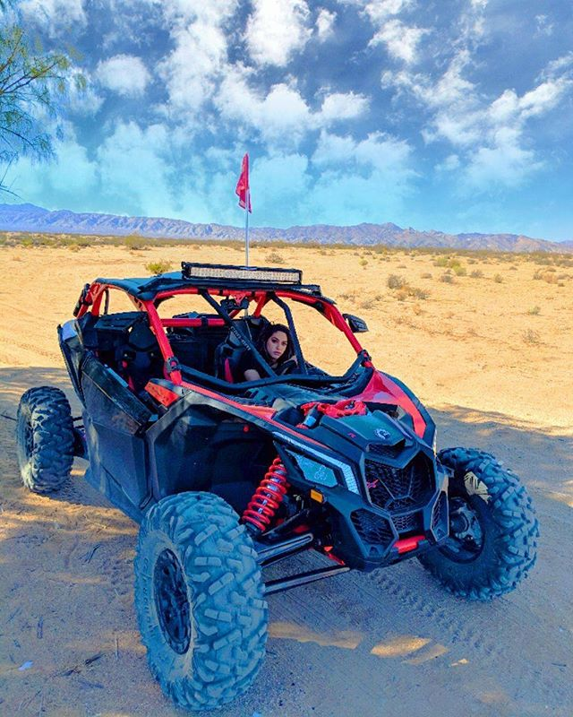 You can take the girl out of Arabia, but you can't take the Arab out of the girl. 🤷🏽‍♀️🐪🌵☀️🏎 #yalla #letsgoforaride #takemetothedesert #sandbaby #dunebuggy #sxs #canam #maverick #x3xrs