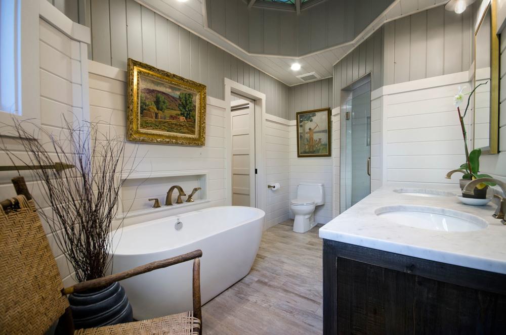 columbine_bathtub.jpg