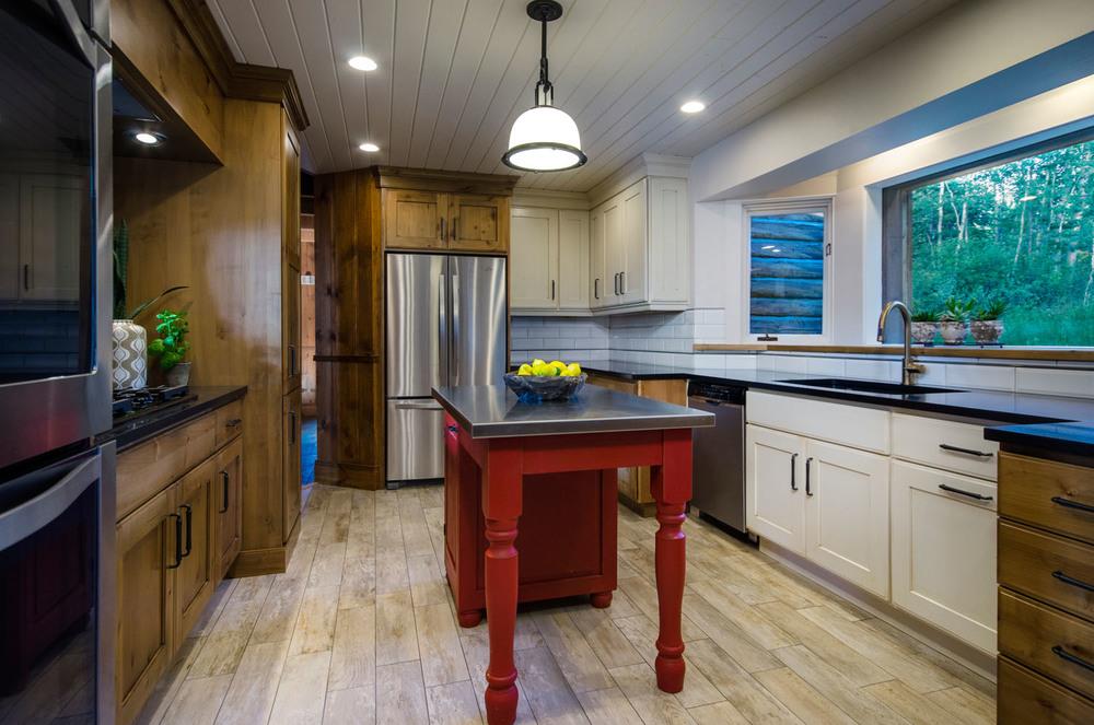 columbine_kitchen_island.jpg