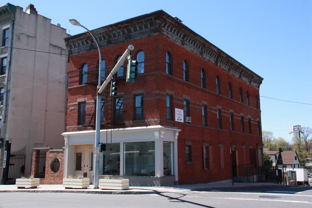 located at 711 Main St. New Rochelle, Ny, 10801