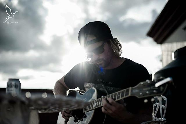 Mexico 16/8/13. Thanks @storkweddings for the photos from this trip it's nice to reminisce.... here I play a fender Ron Emory junior which I still own today #fender #oaxaca #mexico #birthday #travelling #ballifornia #byronbay