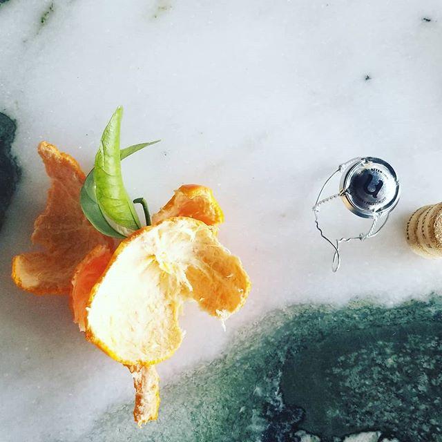 Be creative 🍊 Be productive 📷 Be you 💚 Love my job • • •  #jukphotographe #photographerlife #foodphoto #createfood #cocktails #instagood #instafood #inspiration #workhard #create #beyourself #beyou #loveyourjob #bar #foodies #photoshoot #foodphotooftheday #foodphotography101 #foodphotodiary #foodphotografer #foodphotographie #foodphotoprops #foodphotograhy #foodphotoblog #foodphotografy #foodphotogtaphy #foodphotograpy #foodphotos