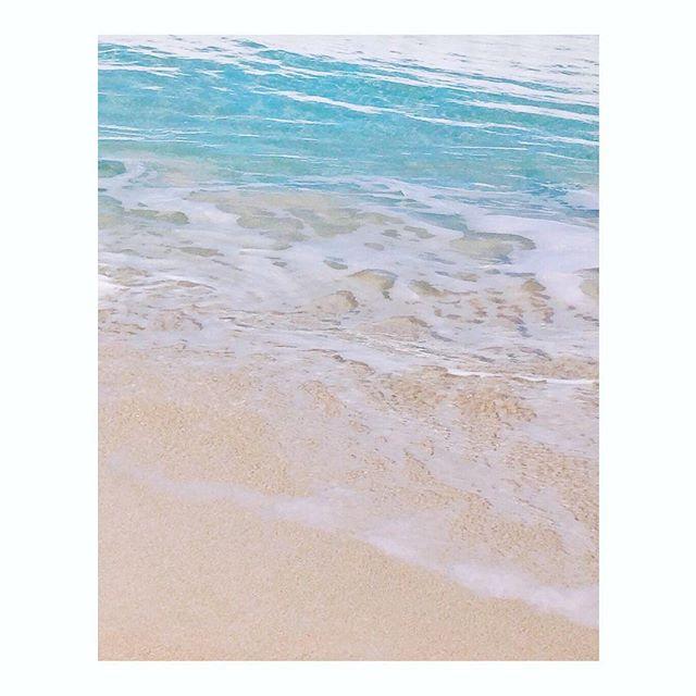 Hot day fantasy in the desert! ... would love to jump in right now. 🌊🏊🏻♀️ . . . . #lethawaiihappen #808 #gohawaii #nakedhawaii  #tlpicks #stayandwander  #somewheremagazine #visitoahu #mytinyatlas #havealohawilltravel #suitcasetravel #cntraveler #traveldeeper #oahu #somewhere_travel  #august #suitcasetravel