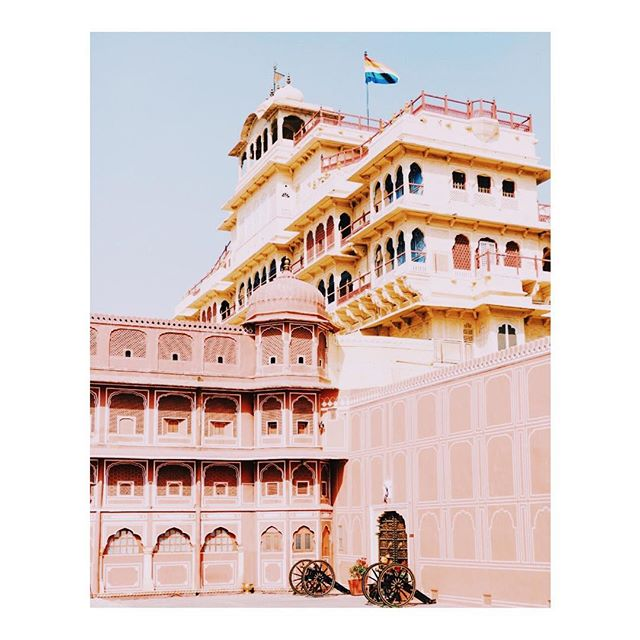 Did you know that Jaipur was the first planned city of medieval India?  The entire city was divided into nine blocks and the royal city palace was situated at the center of the city.  The famous pink buildings of Jaipur are so fascinating to explore and so colorful to photograph.  Come join me in India. The trip is lead by @karthikagupta. Only 2 seats left on what is sure to be an incredible adventure!  Check out @karthikagupta and click on the link in her profile to sign up. 📷by @karthikagupta . . . . . . #india #rajasthan #mytinyatlas  #travel #stayandwander #jaipur #somewhere_travel #traveldeeper #somewheremagazine #tlpicks #athomeintheworld #cntraveler  #suitcasetravel #traveldeeper  #imatraveler #afarambassador #exploretocreate #iamatraveler  #somewheretravel #afar #tlpicks  #lonelyplanet #passionpassport  #travelstoke #natgeo