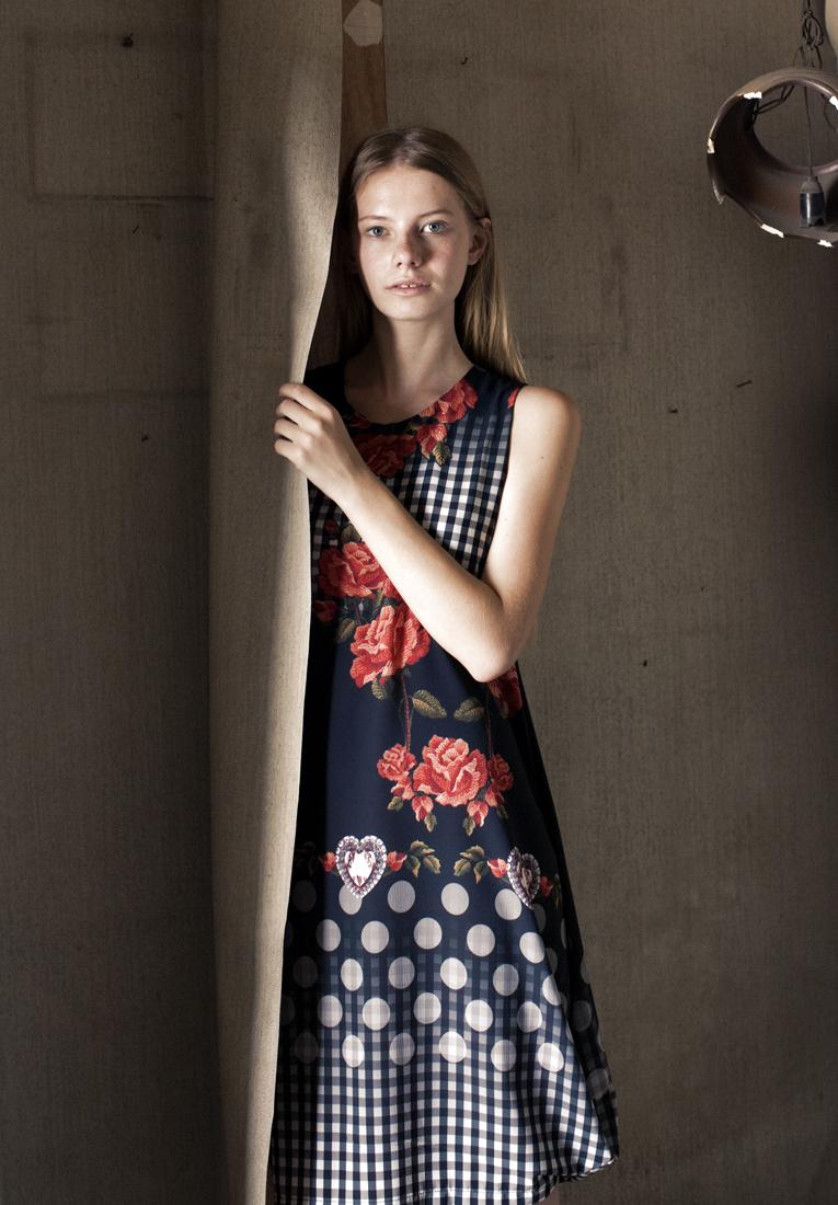 Photography: Sam Izhakov Model: Lika Lisnevsky