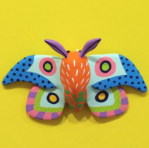 Tomoko Ishida makes amazing and bright clay insects and beasts that always make us happy.  IG feed here.