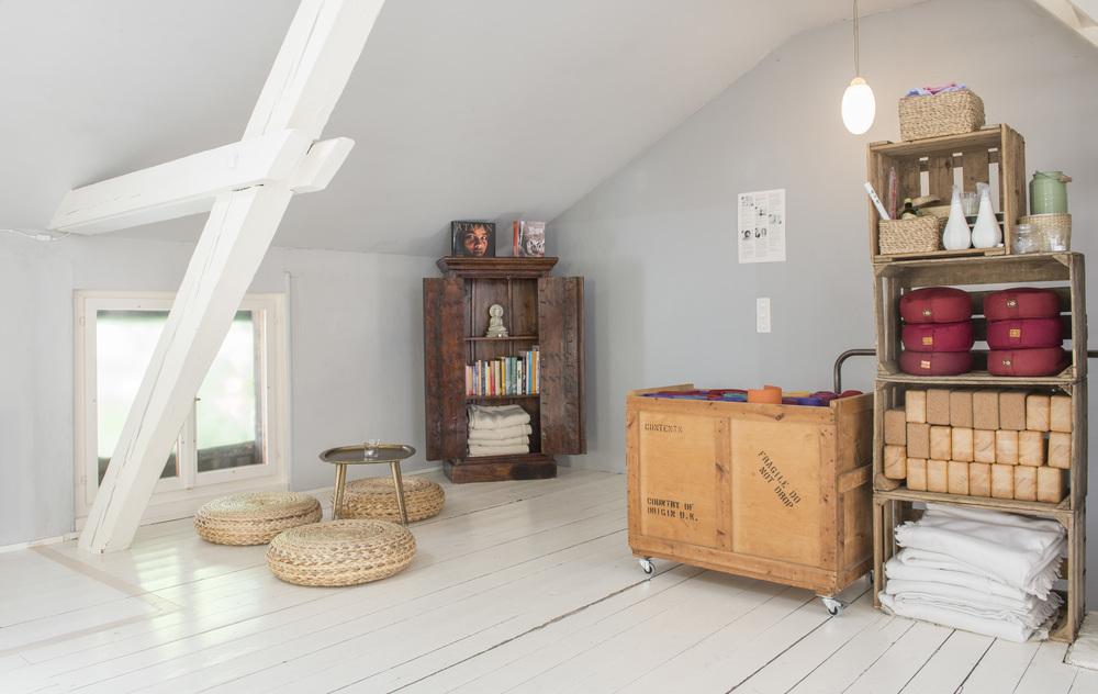 Yogaraum Vermietung – Dachraum, 80qm – Wiedikon – Das Yoga Haus – 8004 Zürich