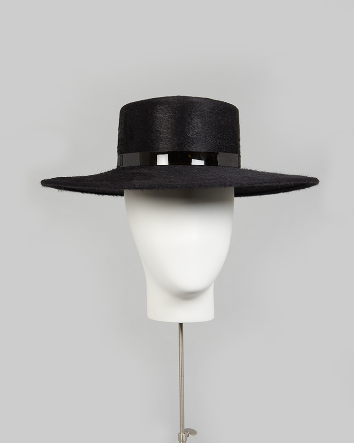 Black Melusine Straight Brim