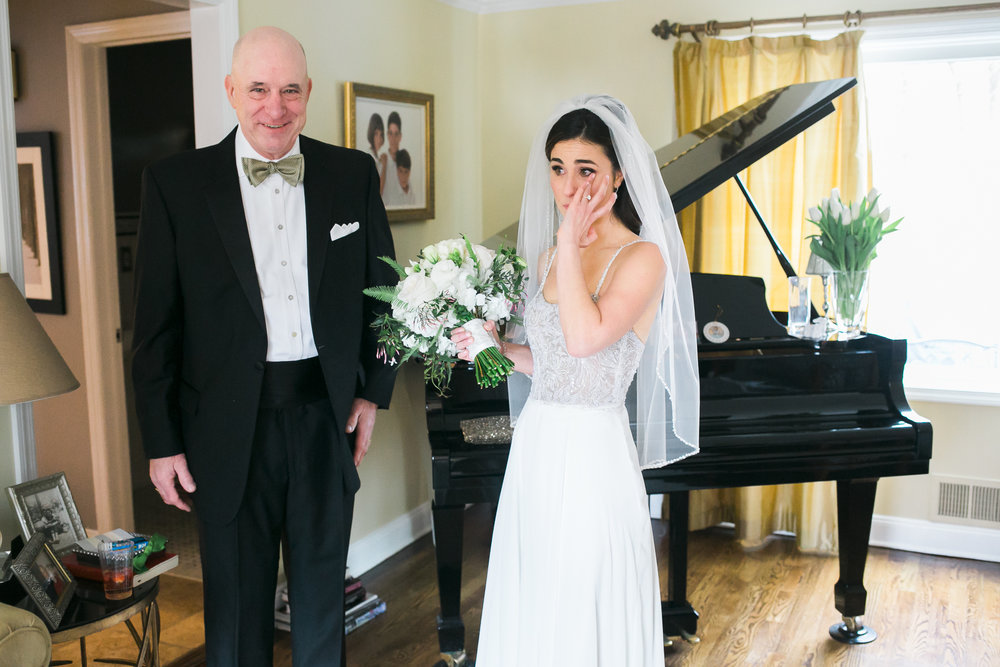 father-daughter-first-look-wedding-day.jpg
