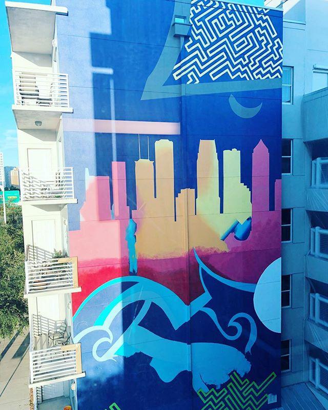 Good Morning #tampa  #tada #tampaartscene #citymurals #fineartmurals #tampaflorida #tampamurals #skyline #urbanart #bellchannelside #channeldistrict #workinprogress #anotherdayanothermural