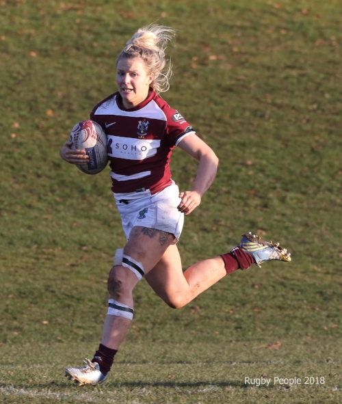 Charlotte Runcie on her way to a Try