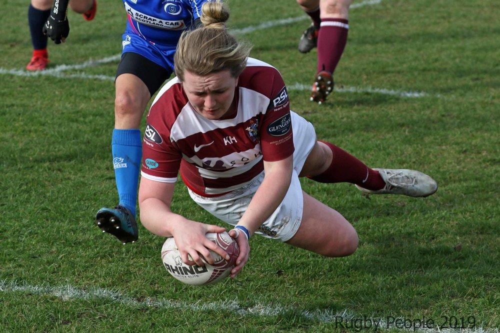 Alice King scoring for Watsonians