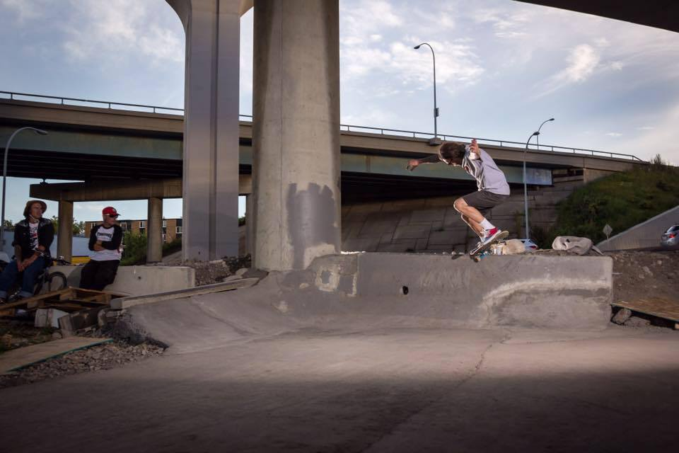 Dan Robinson crooked grind at The Bridge DIY spot. Photo: Jade Hertz