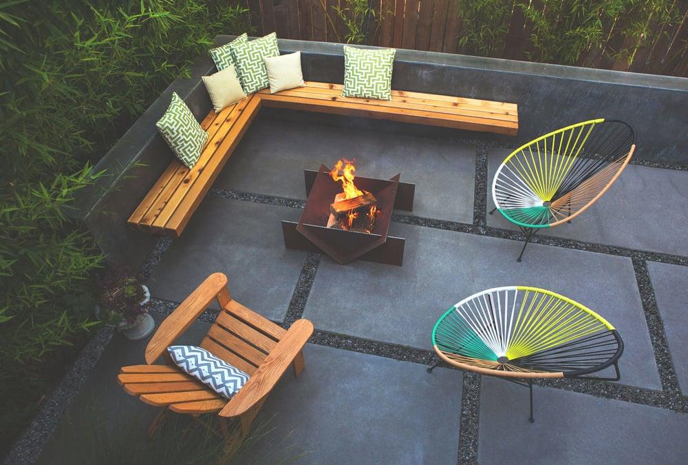 stahl-firepit-backyard.jpg