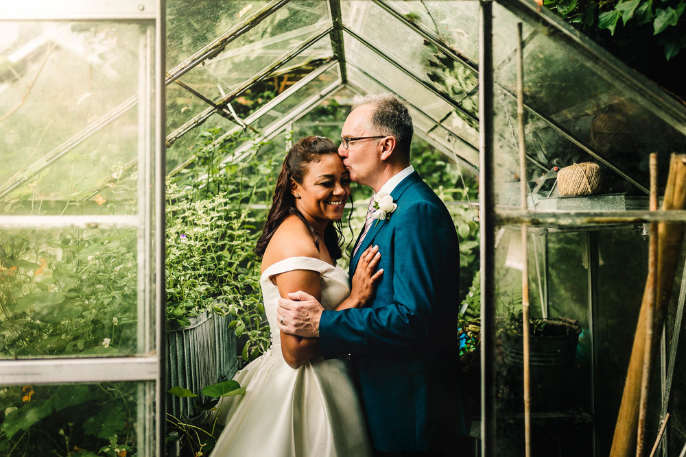 GREEN HOUSE WEDDINGS PICTURE STAFFORDSHIRE WEDDING PHOTOGRAPHER
