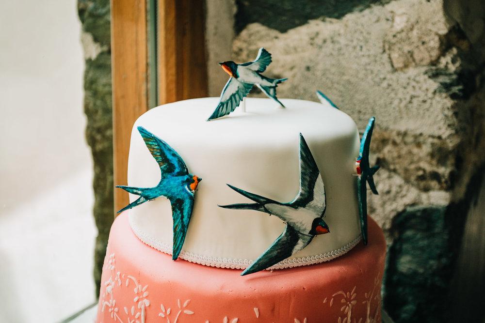 HANDMADE WEDDING CAKE WITH BIRDS AND WILDLIFE THEME