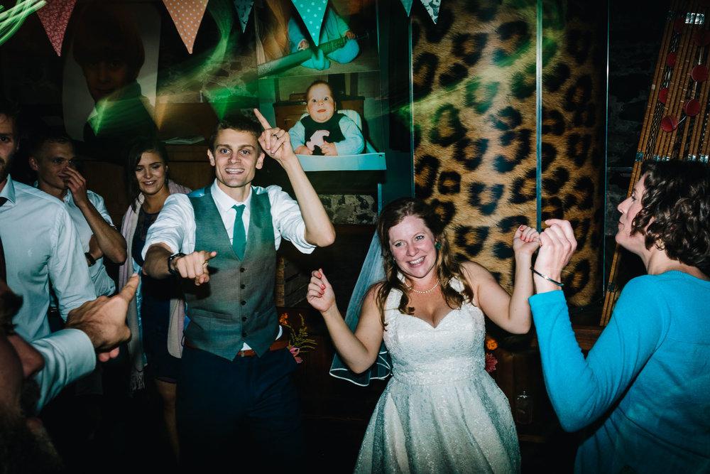 JENNY & DOM WEDDING (586).jpg