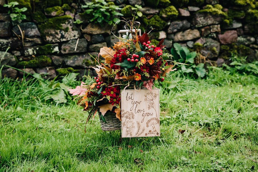 RUSTIC AUTUMN WEDDING FLOWERS