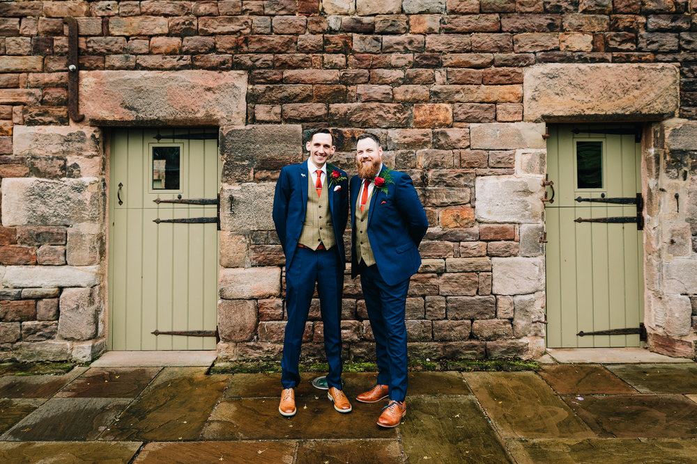 GROOM AND BEST MAN PORTRAIT