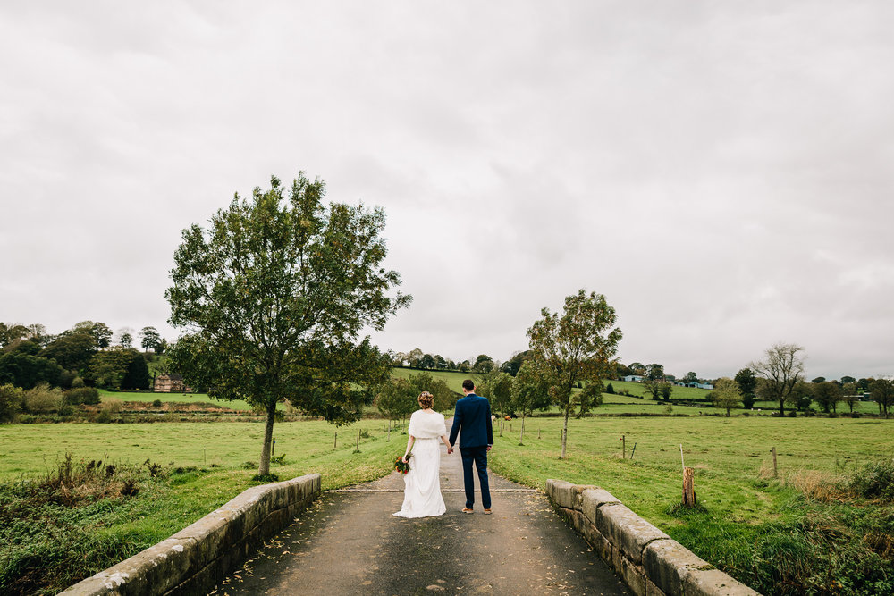 NATURAL PICTURE OF BRIDE AND GROOM IN STAFFORDSHIRE