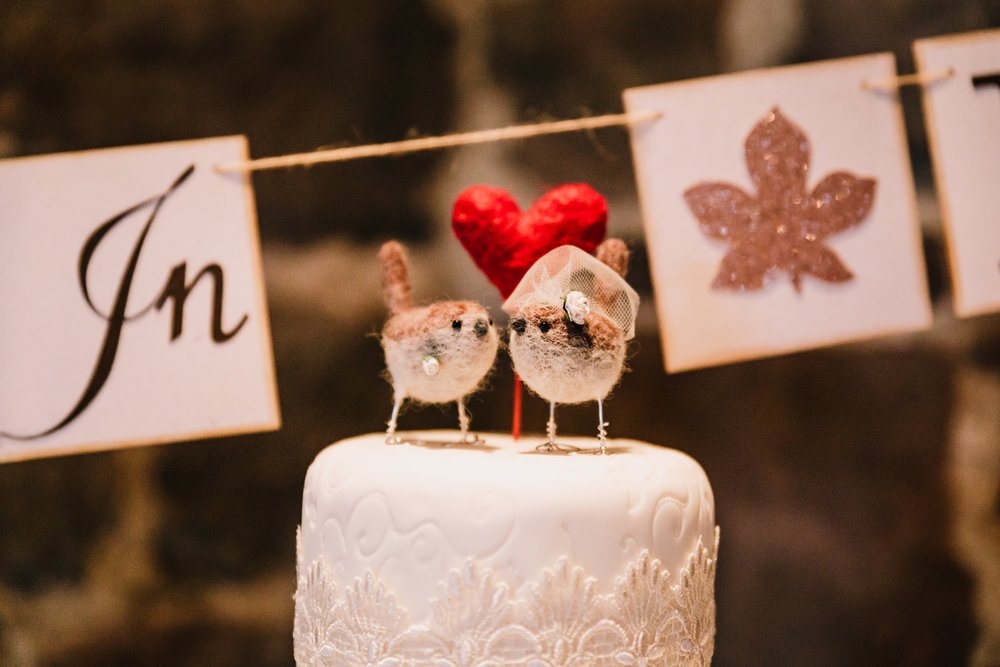 ROBIN WEDDING CAKE TOPPER