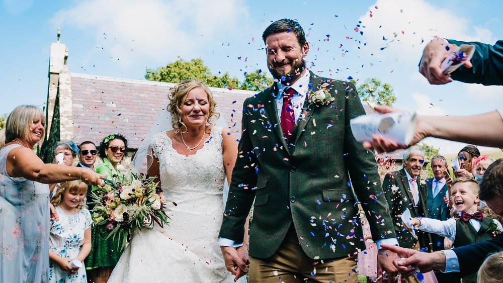 BRIDE AND GROOM AT THE ASHES STAFFORDSHIRE CONFETTI WEDDING