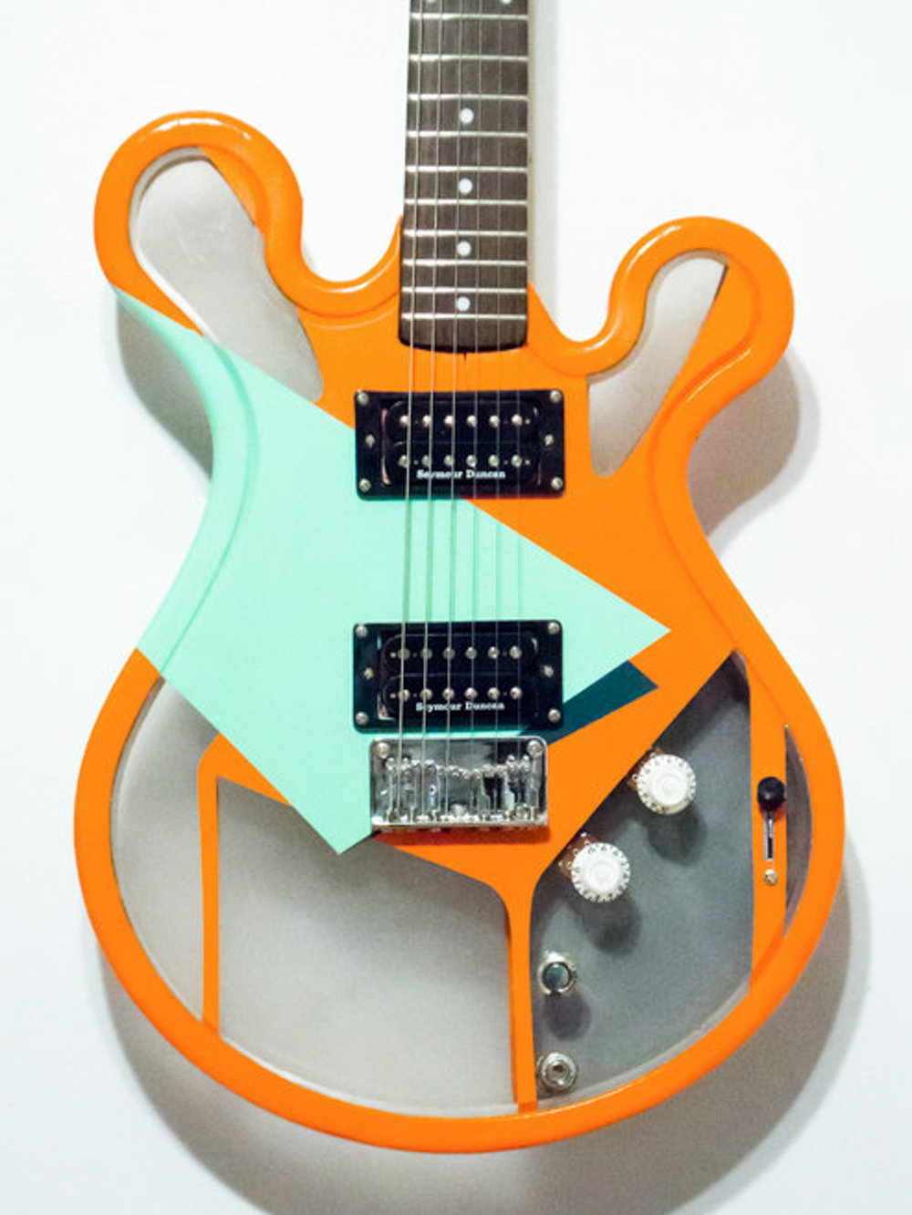 Gallo_Guitar_Bloom_Orange_Green_White_LED.jpg
