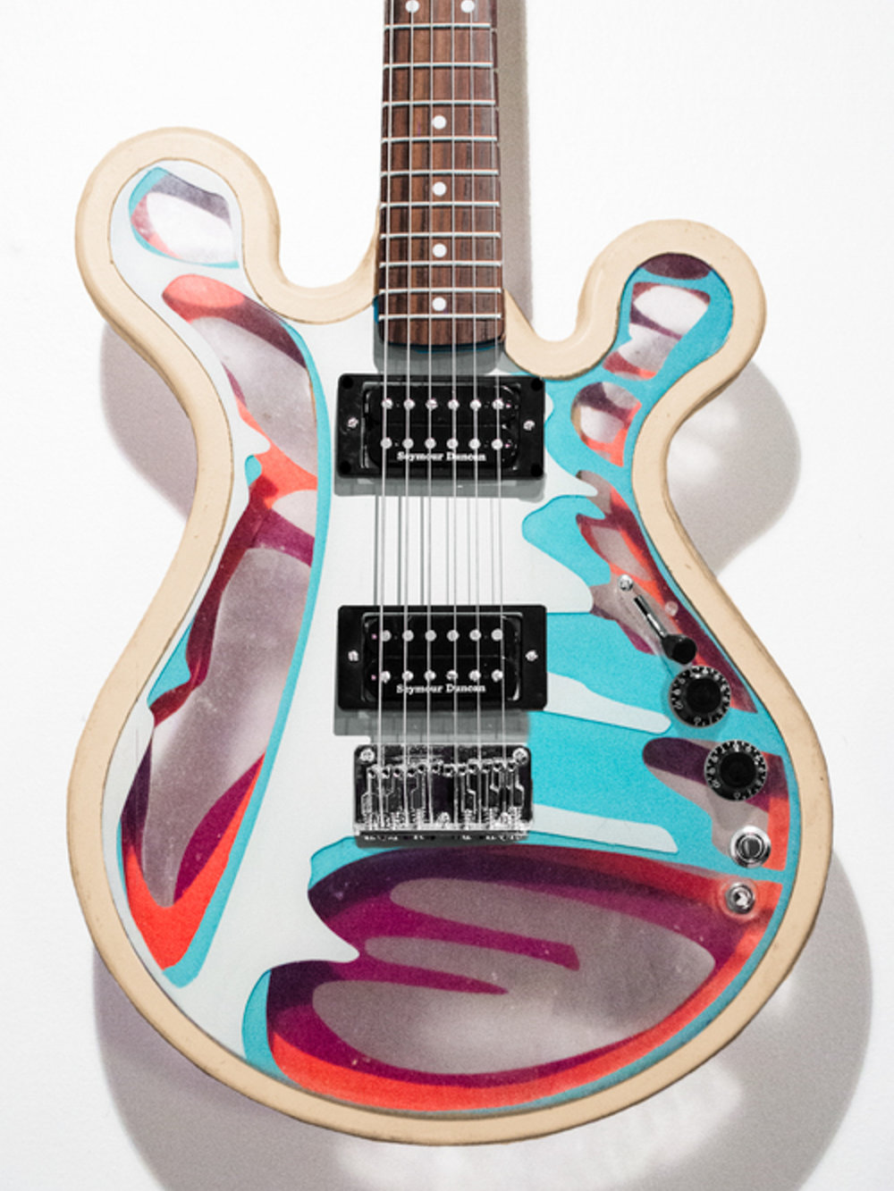 Gallo_Guitar_Vanilla_White_LED.jpg