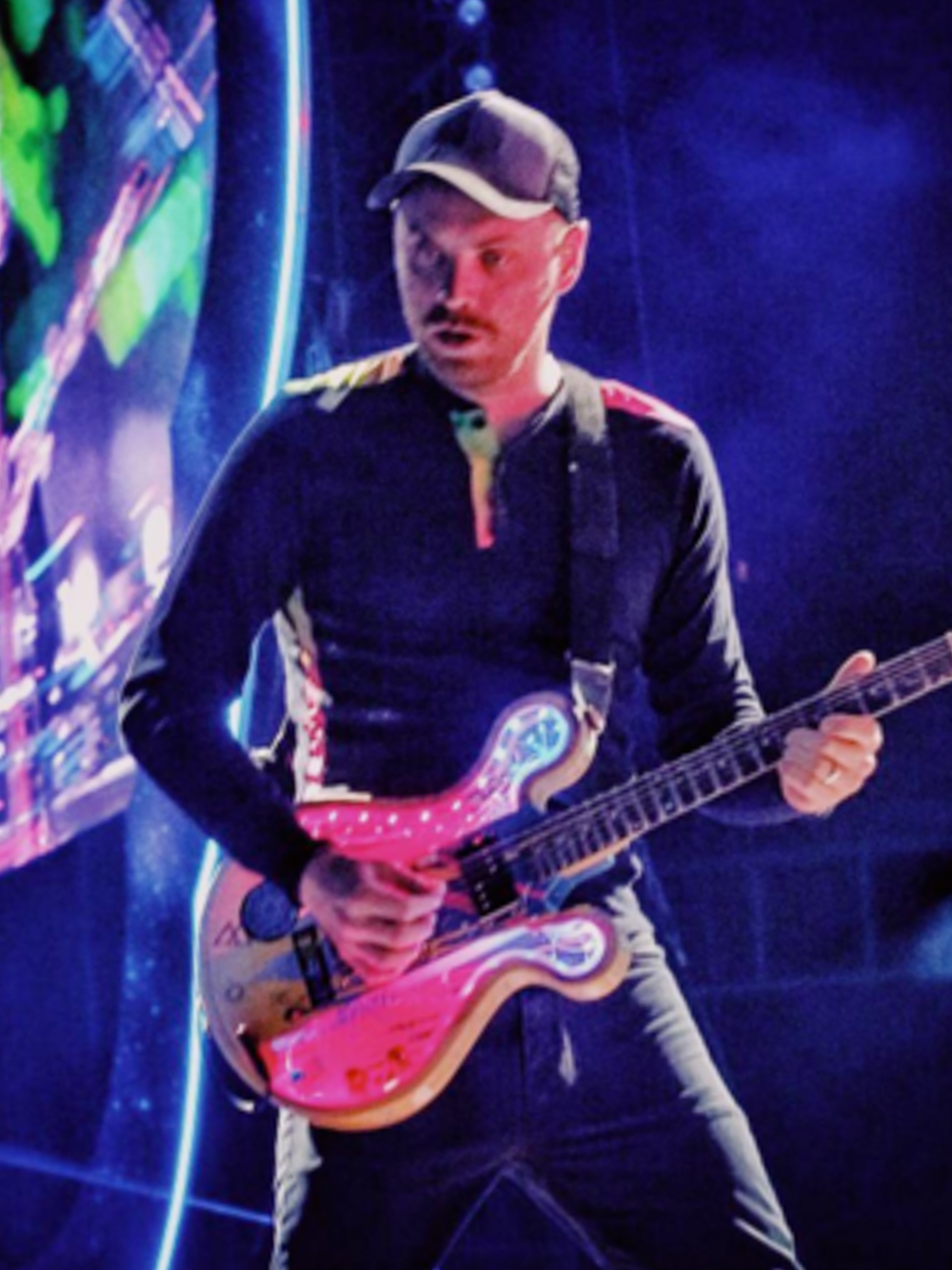 JONNY BUCKLANDCOLDPLAY - Image courtesy of Coldplay and Roadie #42