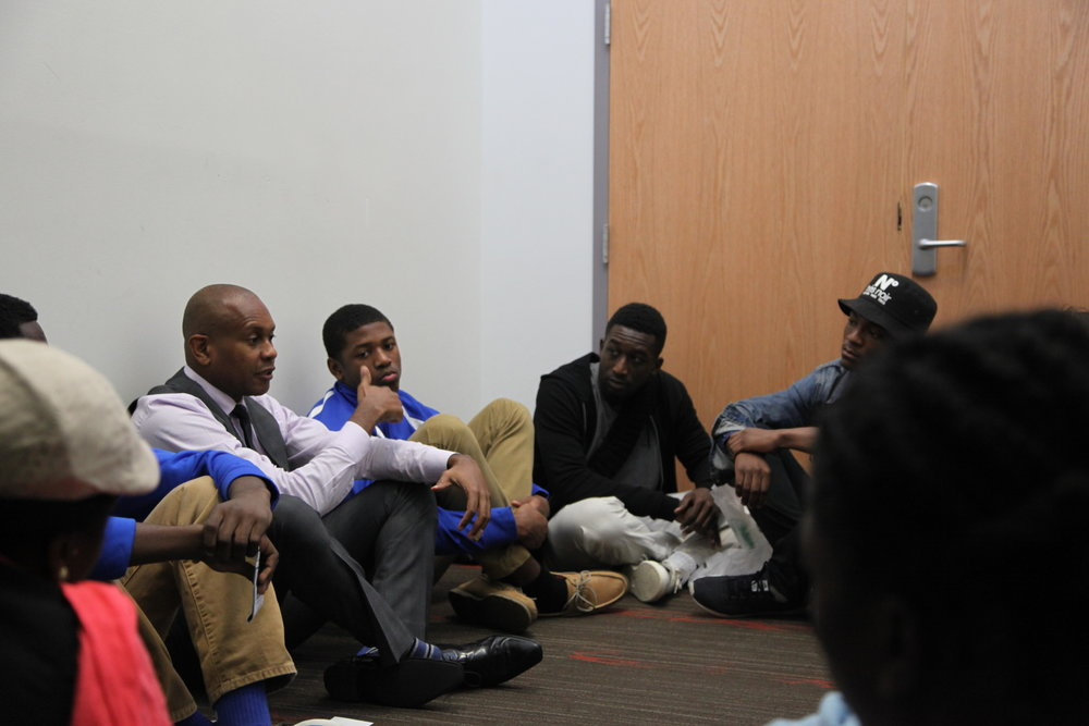 student pow wow with keynote kevin powell.jpg