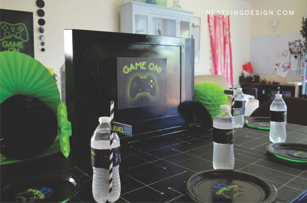 DIY Gaming Tablecloth | NestlingDesign.com