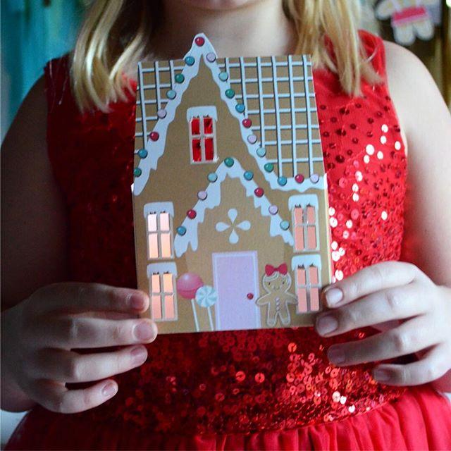 Merry Christmas Eve, friends 🎄 . . . .  #smallbusiness #calledtobecreative #flashesofdelight #girlboss #thehappynow #myunicornlife #livecolorfully #mycreativebiz #nestlingdesign #etsy #partyinspiration #partyinspo #kidsparty #childrenspartyideas #partyideas #partyplanning #mypartystyle #cuetheconfetti#momlife #christmas #christmasparty #gingerbreaddecorating #gingerbreadhouse #gingersnap #abmholidayspirit