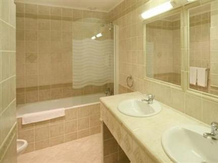 grand-hotel-negre-coste--bathroom.jpg