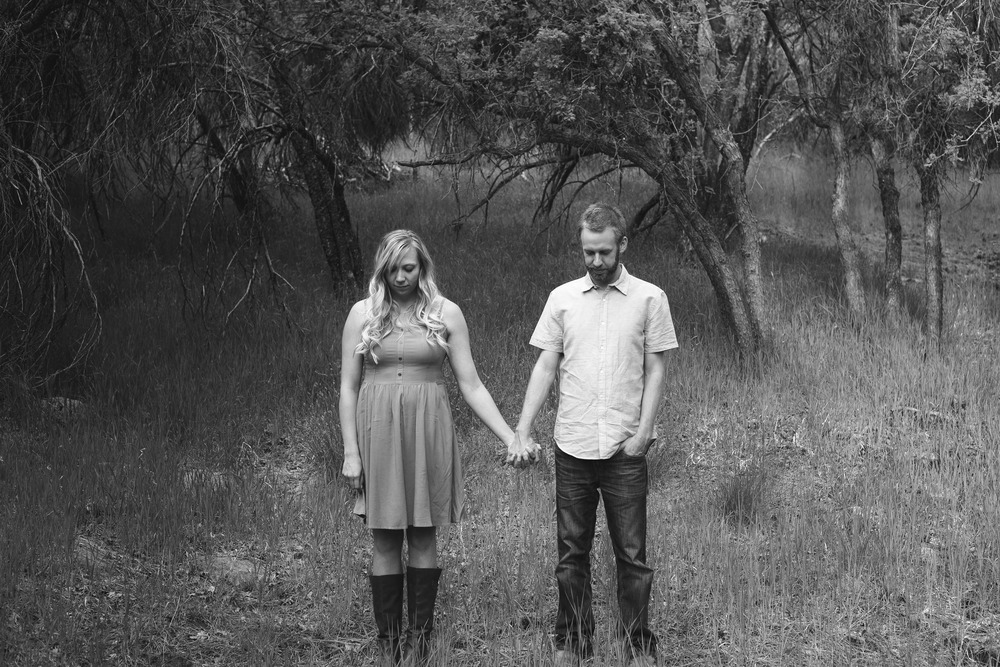Black and White Utah Forest Anniversary Couple Photograhy