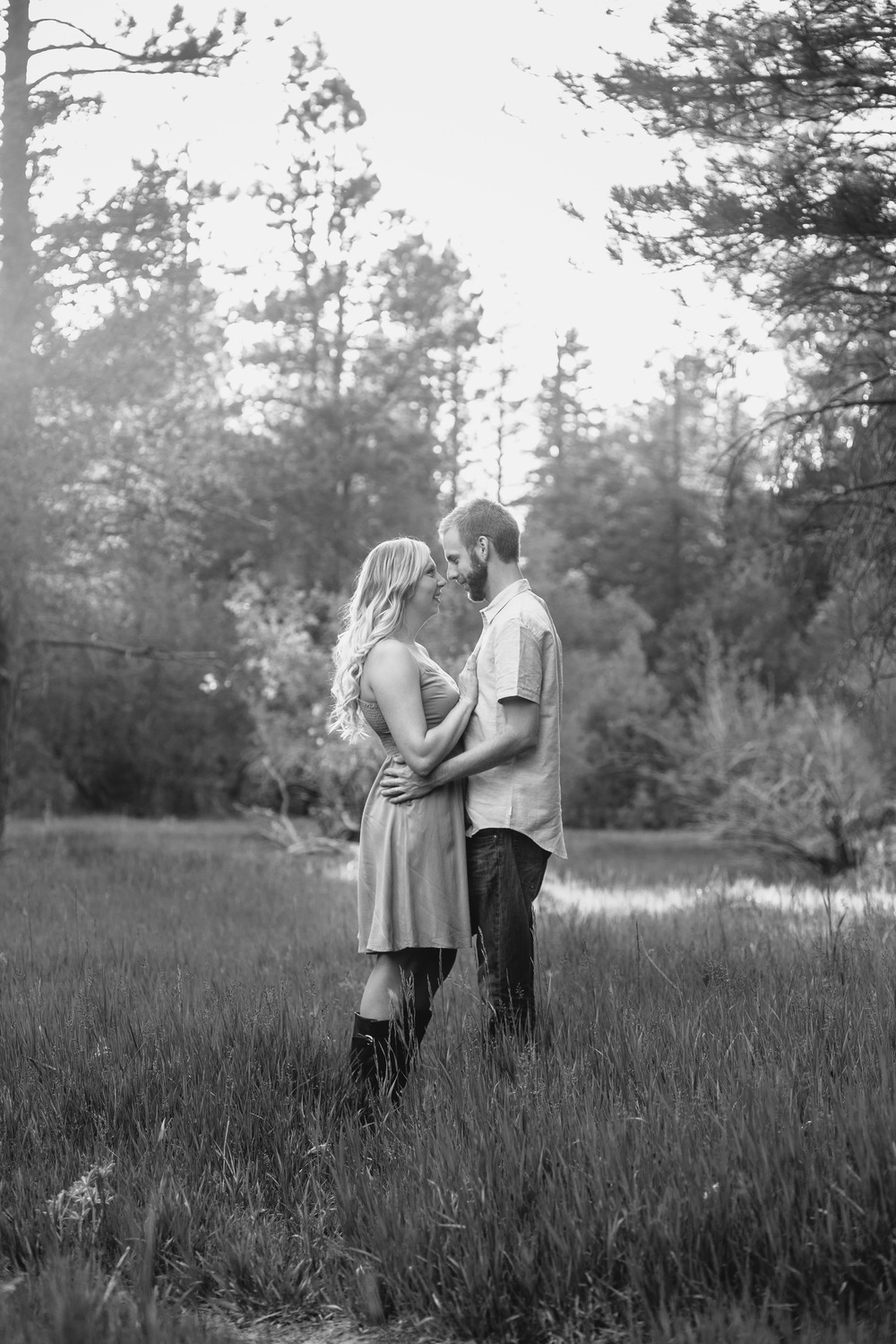 Intimate couple pose lifestyle photographer Southern Utah