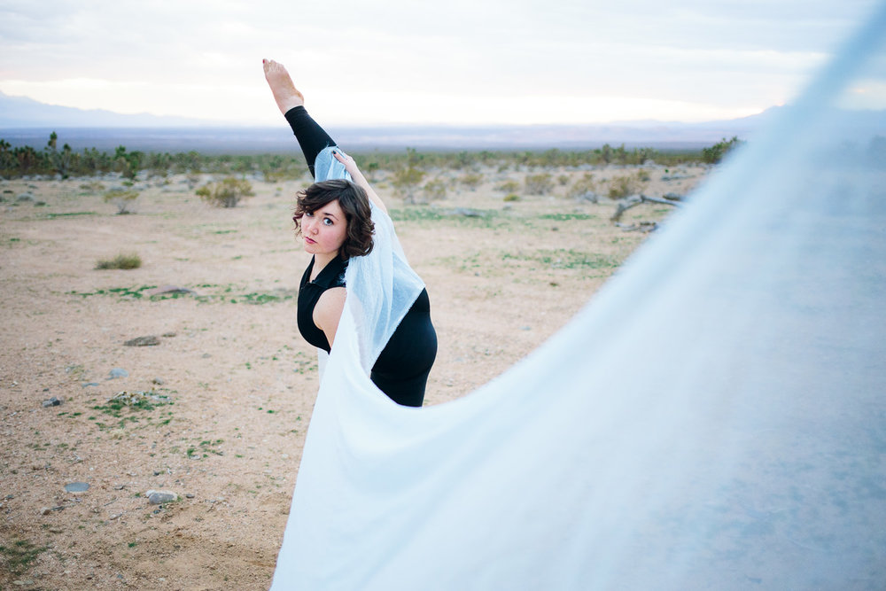 Desert silk dancer Southern Utah Adventure photographer hybrid film and digital