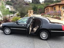 4-Passenger Luxury Town Car
