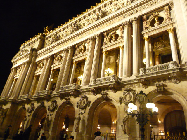 Le Opéra Garnier, beautiful year round