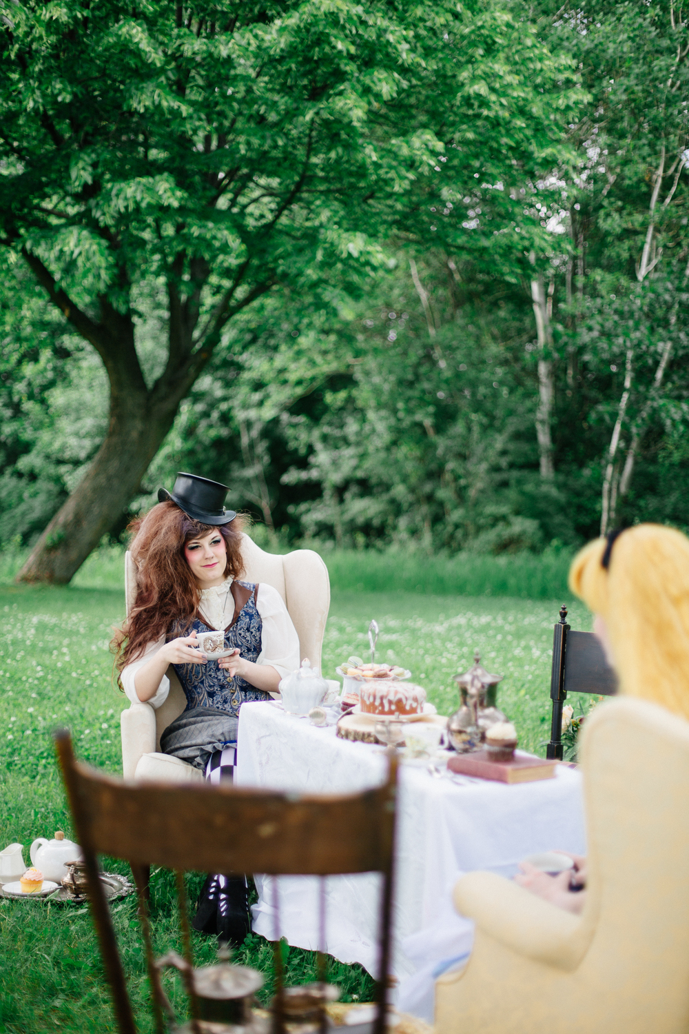 wedding_photographer_minnesota_jen_montgomery_photography[teaparty]-4.jpg